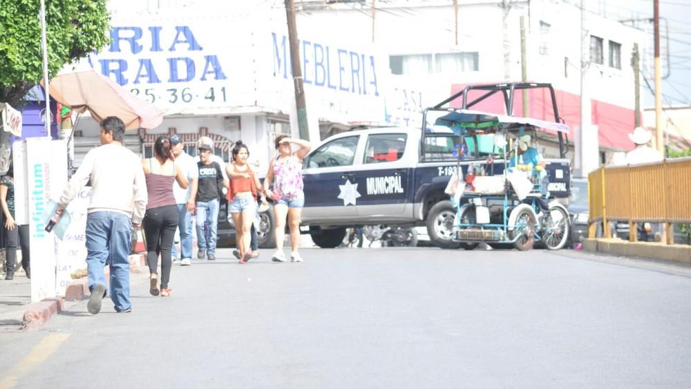 Bloquean y paran labores trabajadores de Temixco por falta de aguinaldo
