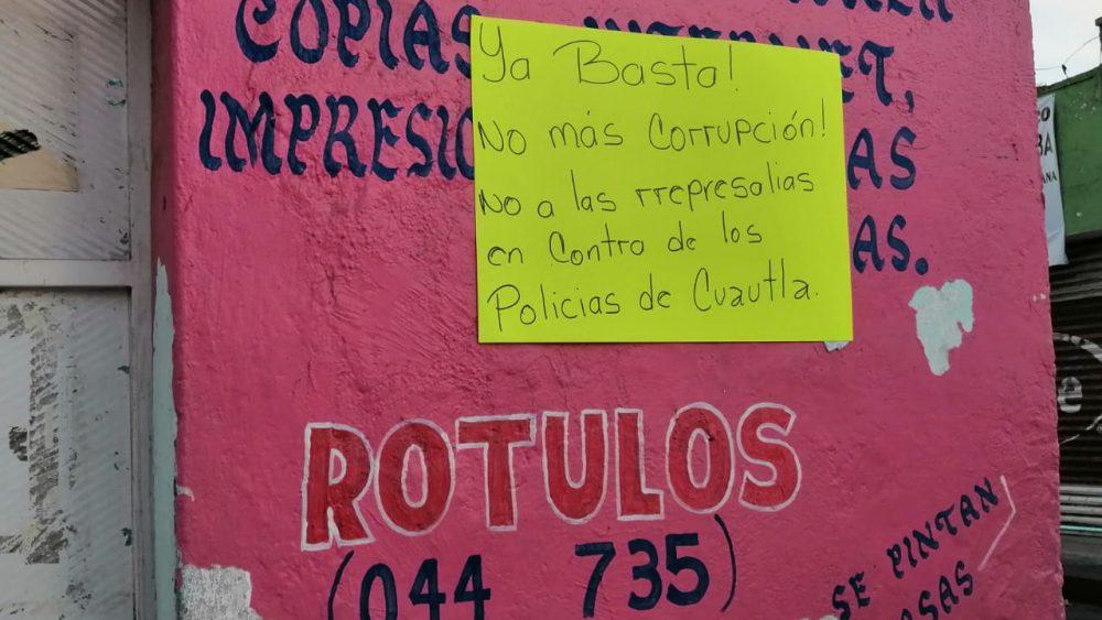 Ciudadanos de Cuautla respaldan a policías y piden renuncia de Guarneros