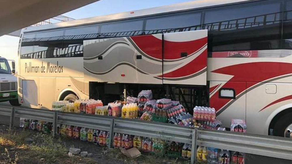Normalista roban mercancía en la carretera que va de Cuautla a Jantetelco
