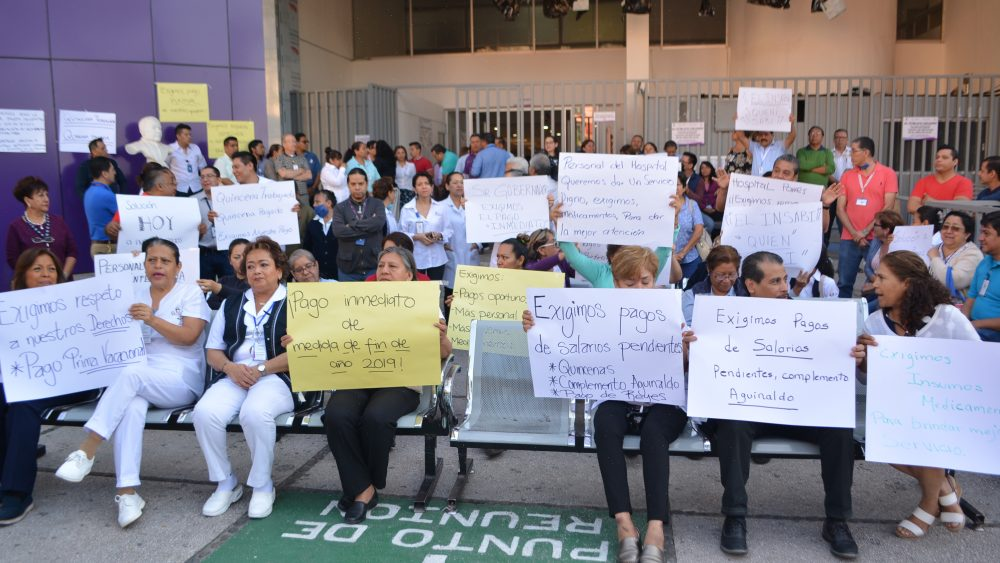 Hospitales en paro, Gobierno de Morelos les debe 1 mes de salario y aguinaldo
