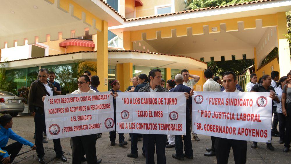 Protestan trabajadores de Holliday Inn Cuernavaca por humillaciones