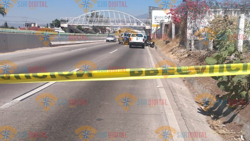 Localizan cuerpos de dos embolsados sobre la autopista México-Cuernavaca