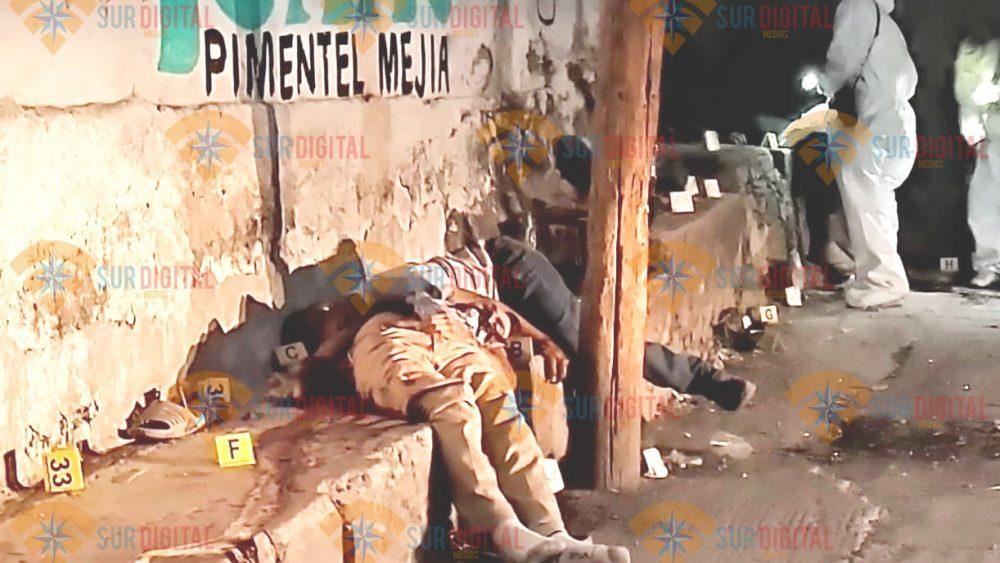 Comando ejecuta a 6 hombres que bebían en la calle, en Ciudad Ayala